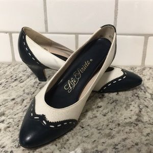 Vintage 80s Saddle Oxford Life Stride Kitten Heels